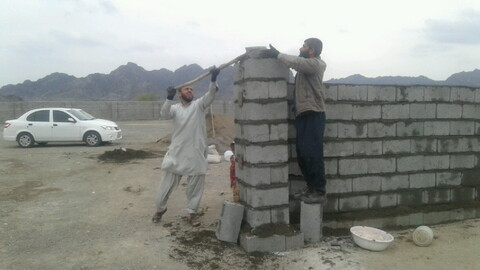 تصاویر/ تکمیل ساختمان خانه عالم روستای سرخ قلعه توسط مبلغین هجرت شهرستان قلعه گنج