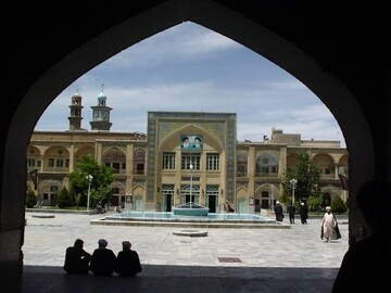 پیشرفت کشور در گرو پایبندی به آرمان های اصیل انقلاب اسلامی است