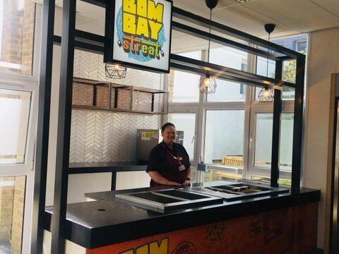 با بالا گرفتن تقاضاها: دانشگاه لیدز غذای حلال به دانشجویان ارائه می دهد