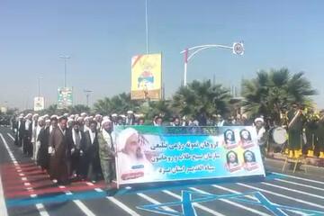 فیلم| رژه طلاب و روحانیون بسیجی حوزه علمیه یزد