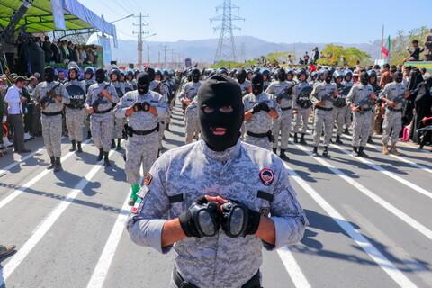 تصاویر/ رژه دفاع مقدس در بیرجند با حضور روحانیون