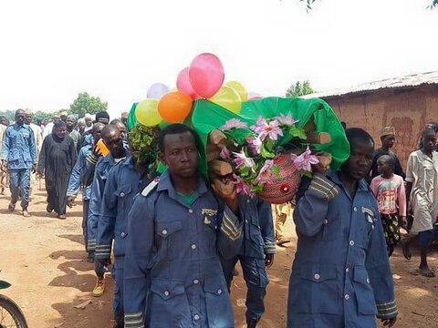 تشیع پیکر یکی از شهدای حادثه روز عاشورا در کشور نیجریه