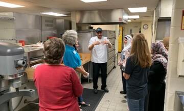 غذای حلال با دست پخت سنتی برای دانش آموزان مدرسه دیربورن آمریکا