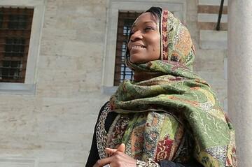 خواننده جاز آمریکایی: بسیار سعادتمندم که اسلام را پیدا کردم