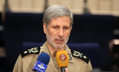 امیر حاتمی، وزیر دفاع