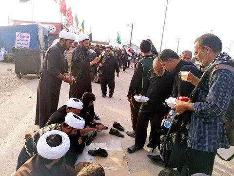 خدمت رسانی روحانیون به زائران اربعین در مرز مهران