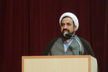 پیروزی انقلاب از آثار و برکات نهضت حسینی است