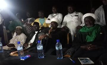 بالصور/مجلس عزاء تقيمه العتبة الحسينية بمدينة (بوبوديولاسو) في جمهورية بوركينا يشهد حضور اكثر من (5000) شخص