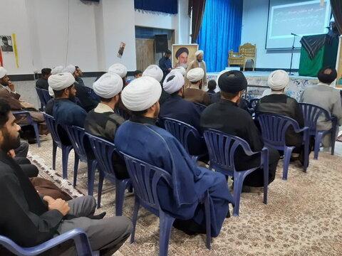 """بالصور/ ندوة تخصيصة تحت عنوان """"رسالة الحوزة والعالم الافتراضي"""" في مدرسة الإمام المهدي (عج) العلمية في مدينة آران وبيدكل الإيرانية"""