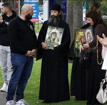 اعتراض مسیحیان به مجری رادیویی به خاطر توهین  به مریم مقدس + تصاویر