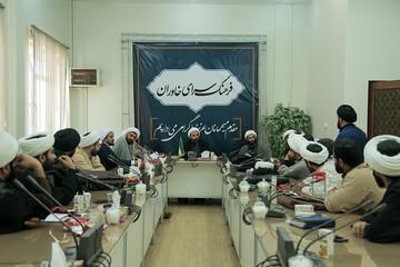 تصاویر/ نشست هم اندیشی مسئولان مدارس امین حوزه علمیه استان تهران