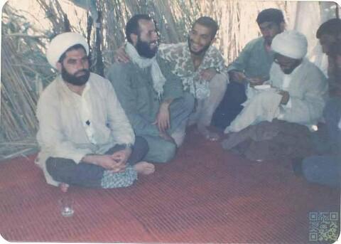 تصاویری از آیت الله سیفی مازندرانی در دوران دفاع مقدس