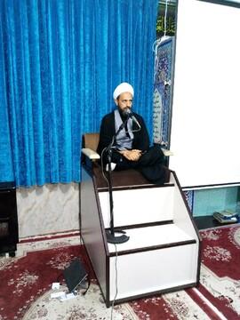 مردم روحانیت را مظهر و نماینده دین و اسلام میدانند