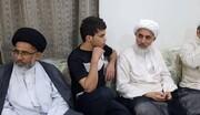 علماء وآباء شهداء يزورون عددا من المحررين من السجون البحرينية