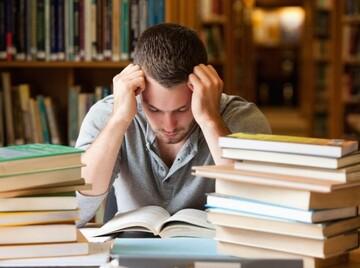 رواج فرهنگ مطالعه در جامعه، از نشانه های سبک زندگی مطلوب است