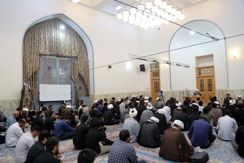 تصاویر/ جلسه درس اخلاق آیت الله شب زنده دار در مسجد اعظم