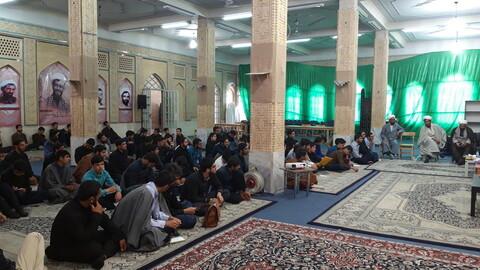 تصاویر/ نشست صمیمی مسئولان حوزه کرمان با طلاب مدرسه علمیه ابراهیمیه