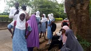 igeria school suspends Muslim student for wearing hijab
