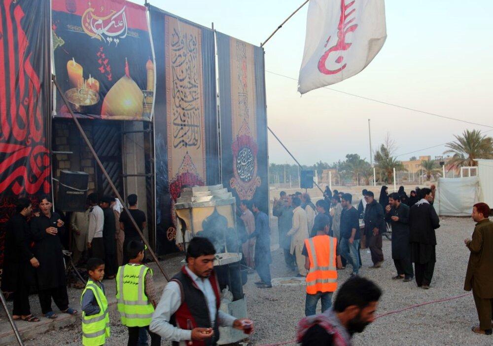 فیلم| موکب شهدای شهرستان بم، پذیرای زائرین پاکستانی