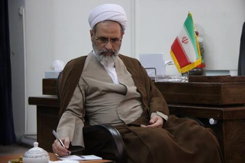 تصاویر/ دیدار رئیس کانون وکلا و  رئیس دادگستری استان قم با آیت الله اعرافی