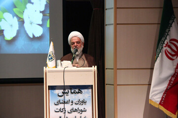 نهضت «حی علی الزکاة» در کشور راهاندازی شود