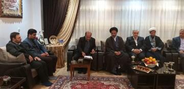 امام جمعه سلماس با خانواده شهدا دیدار کرد+ عکس