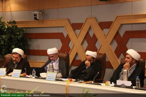 """بالصور/ انعقاد ندوة تحت عنوان """"مشاية الأربعين ودورها في العلاقات بين إيران والعراق"""" بقم المقدسة"""