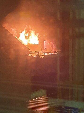 آتش سوزی تعمدی در ساختمانی که قرار است به مسجد تبدیل شود + تصاویر
