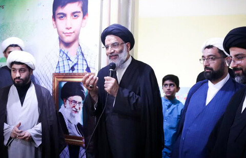 بازدید نماینده ولی فقیه در خوزستان از مجموعه مدارس ادبستان اهواز