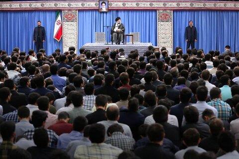 دیدار دو هزار نفر از نخبگان جوان با رهبر معظم انقلاب