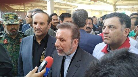 واعظی در جریان بازدید از پایانه مرزی مهران