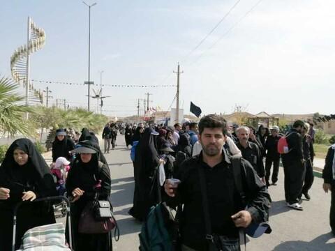 تصاویر/ خدمت رسانی مردم کردستان در موکب «امام خامنهای» به زوار اربعین