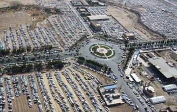 ظرفیت پارکینگ های داخل شهر مهران تکمیل شده/ زائران از پارکینگ های بیرون شهر استفاده کنند