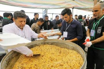 توزیع روزانه ۱۵۰ هزار پرس غذا در مرزهای کشور / جانمایی خودروهای حملونقل در مسیر بازگشت زائران