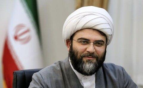 حجت الاسلام و المسلمین قمی ، رئیس سازمان تبلیغات