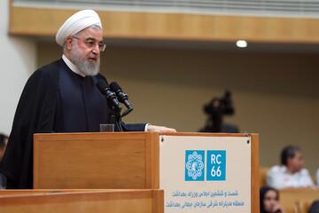 با تلاش تولیدکنندگان ایرانی، به سمت خودکفایی کامل حرکت میکنیم/ ایرانیان جنایت آمریکا را فراموش نخواهند کرد