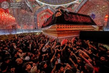 بالصور/ رحلة السائرين نحو سيد الشهداء تحط الرحال عند مأوى أفئدة القلوب مرقد أمير المؤمنين(ع)