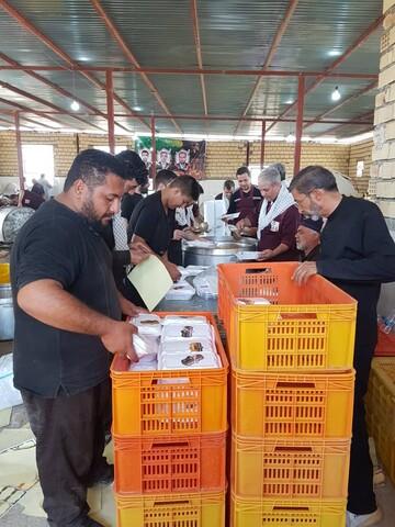 توزیع روزانه 10هزار پرس غذای گرم از موقوفات استان ها در مرز مهران