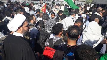حضور بدون تشریفات امام جمعه جوان همدان در پیاده روی اربعین