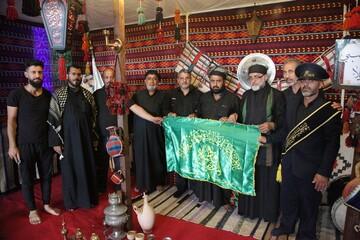 خادمان موکب بانوی کرامت رسم همسایگی با موکبهای عراقی را بهجا آوردند
