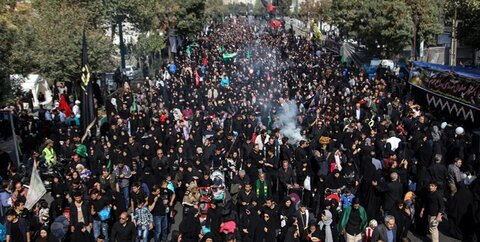 پیاده روی جاماندگان اربعین در تهران
