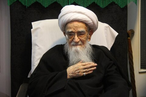 بالصور/ إقامة مجالس العزاء بذكرى الأربعين الحسيني في بيوت مراجع الدين والعلماء بقم المقدسة