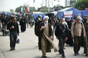 تصاویر شما/ حضور ائمه جمعه شیراز و اهواز در راهپیمایی اربعین