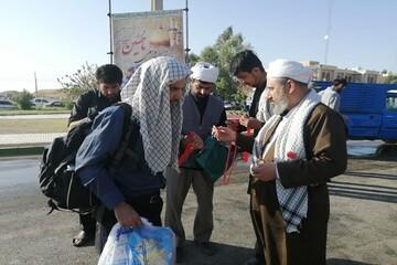 جلوه اربعینی روحانیت شیعه و سنی در موکب امام خامنه ای+ عکس