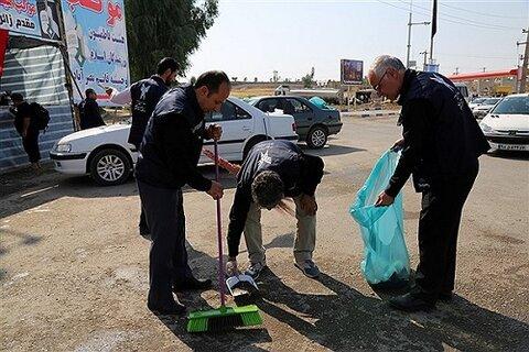 مسیر زائران اربعین از سوی دانشگاه آزاد کرمانشاه نظافت و پاکسازی شد
