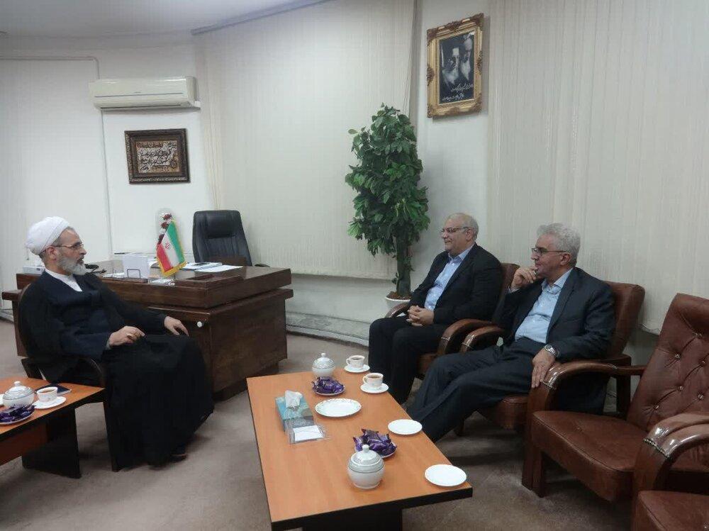 دیدار رئیس دانشگاه پیام نور با آیت الله اعرافی