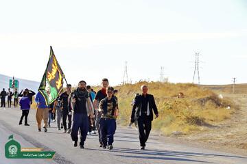 تصویری رپورٹ|حرم امام رضا (ع) کی جانب زائرین کا پیدل سفر  شروع