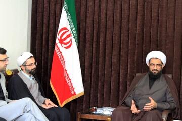 انتقاد امام جمعه همدان از حک تصاویر بانوان بر سنگ قبور