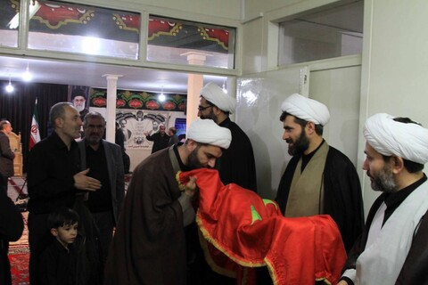 تصاویر/ مراسم روضه شهادت امام رضا در دفتر نماینده ولی فقیه در همدان
