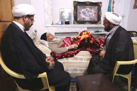 عیادت رئیس دفتر تبلیغات اسلامی از آیت الله امینی